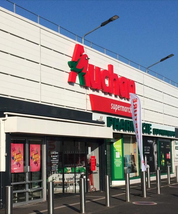 photo de la devanture du magasin auchan rue maurice bertaux à sartrouville