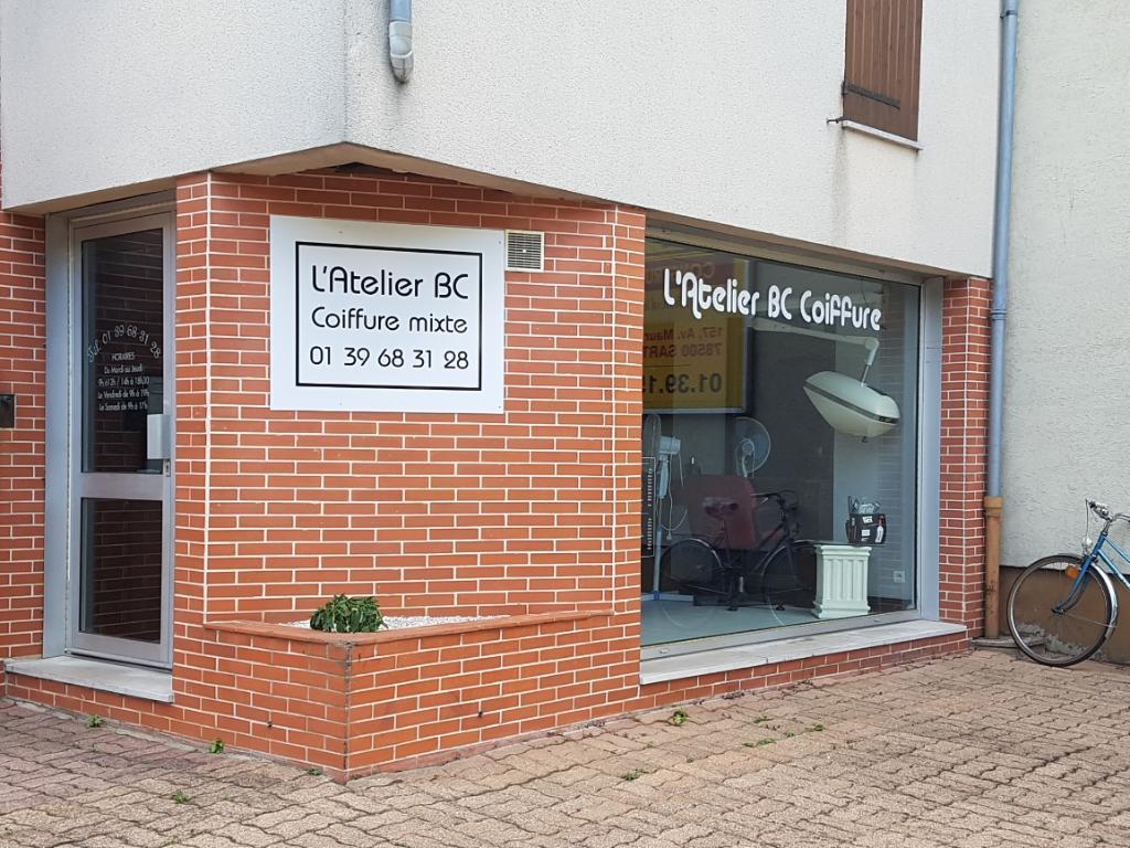 photo de la devanture du salon de coiffure l'atelier BC situé avenue de la république à sartrouville