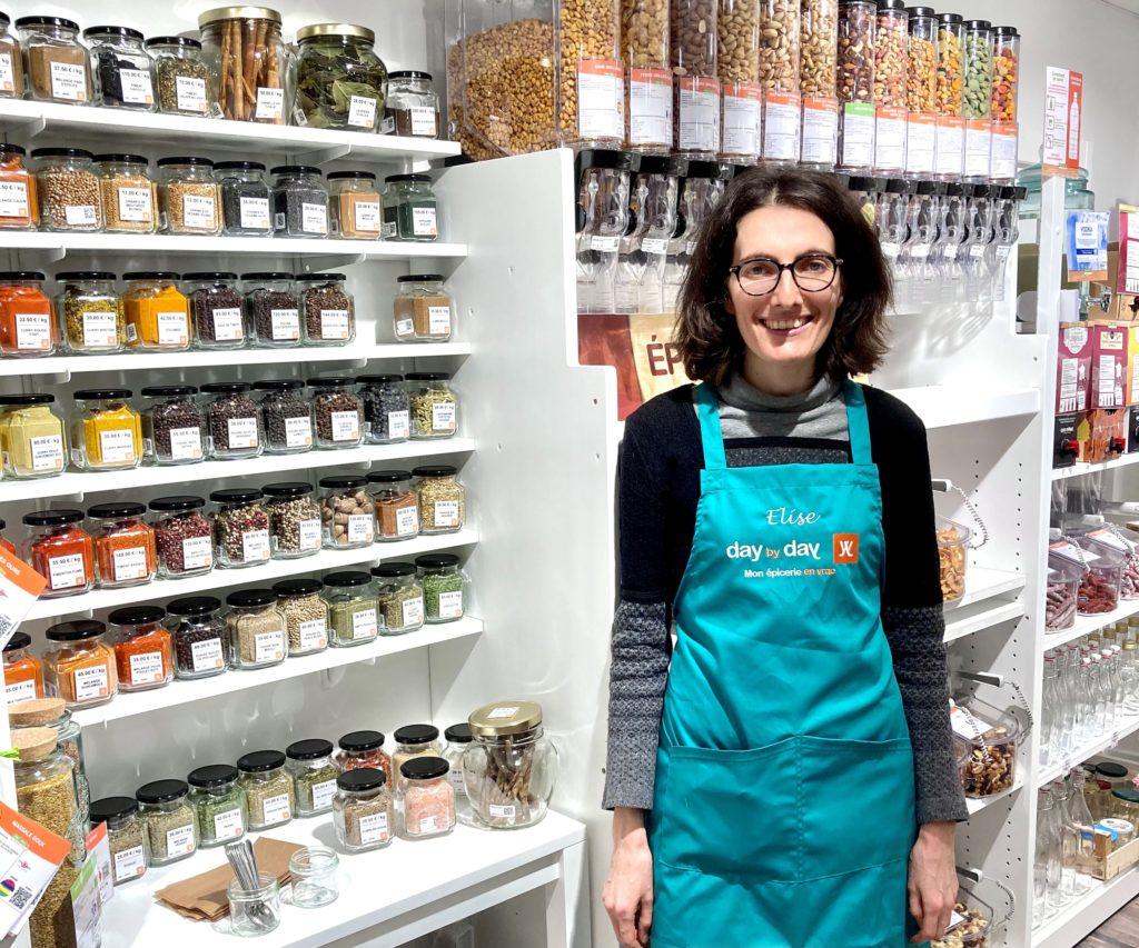 photo de la gérante de la boutique d'alimentation en vrac day by day avenue Jean Jaurès à Sartrouville