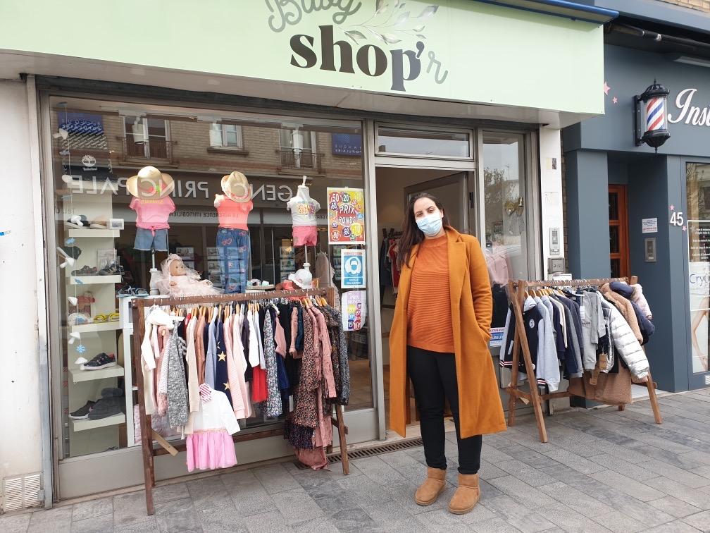 photo de la devanture du magasin d'habillement enfant baby shop'r dans l'avenue Jean jaurès à sartrouville